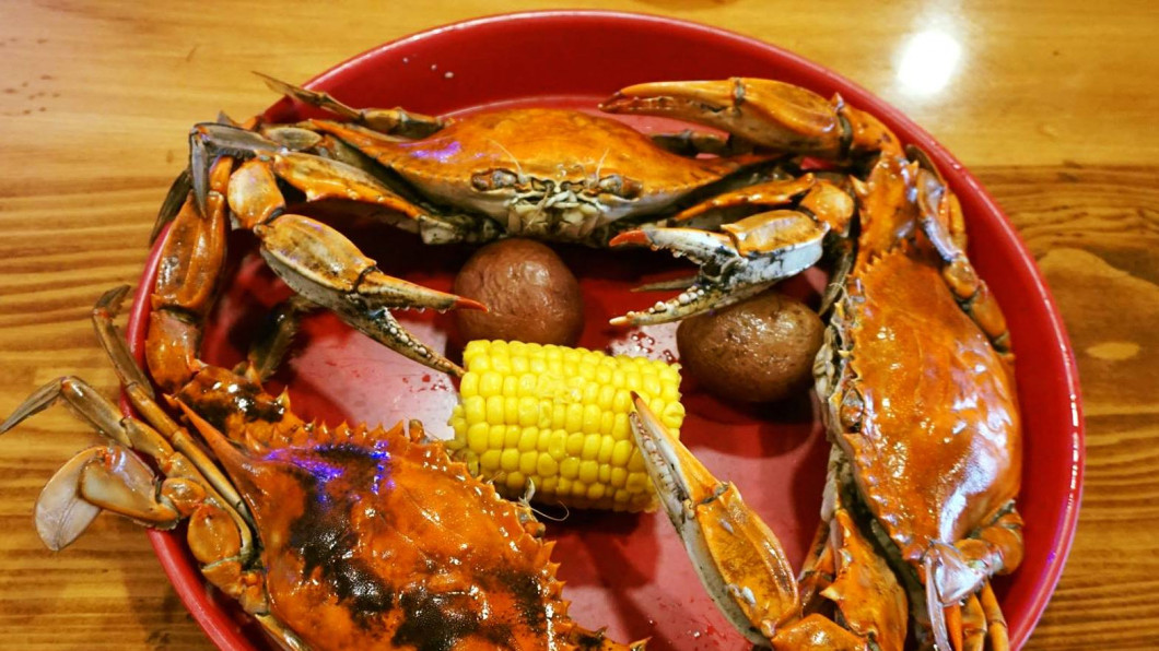 NOW SERVING SELECT, LARGE & MEDIUM BLUE POINT CRABS!!